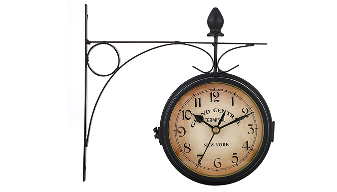 Outdoor Vintage-Style Iron Bracket Wall Clock