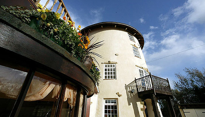 Yarm, Yorkshire: 1 or 2 Night Stay for Two with a Bottle of Wine on Arrival