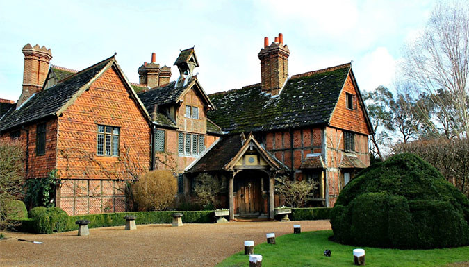 DDDeals - Horley, Surrey: 1-Night 4* Luxury Manor House Stay for Two