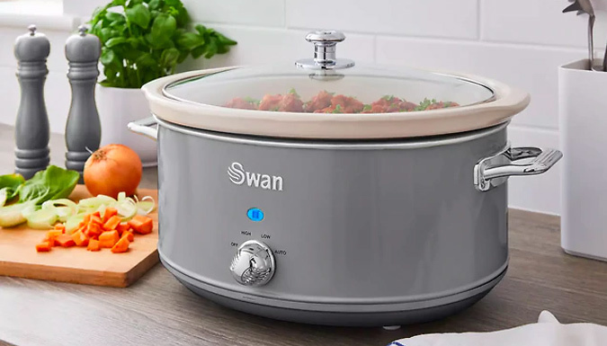 1.5L, 3.5L or 6.5L Swan Retro-Style Slow Cooker With Recipe Book - 5 Colours